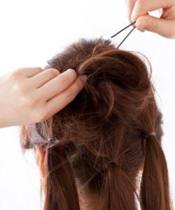 石原さとみの髪型、ピンの止め方