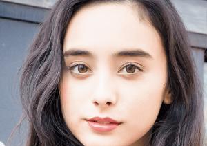 石田ニコルのメイク方法。眉毛の作り方