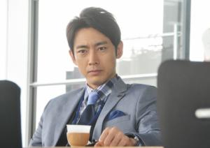ヨシノリ先生の先輩を演じる小泉孝太郎
