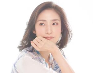 クールビューティーな女優の天海祐希